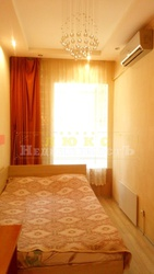 Продам двухкомнатную квартиру ул. Нежинская
